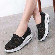 Сезон весна-лето; женская обувь из сетчатого материала на танкетке; обувь на платформе без шнуровки; дышащая обувь, увеличивающая рост; прогулочная обувь для путешествий