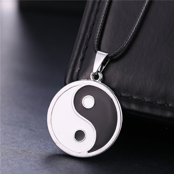 Anime Naruto Yin Yang Necklace Sliver Gosssip Necklaces & Pendants Leather Chain Men Women Gift Accessory Jewelry Choker Collar