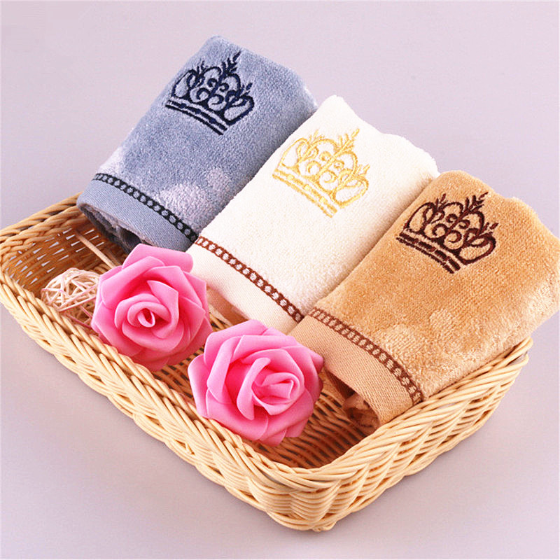 34*34cm 2017 High Quality Small Hand Towel 100% Cotton Crown Embroidery Face Towel Plain Soft Baby Towel Wipes Toalla De Cara