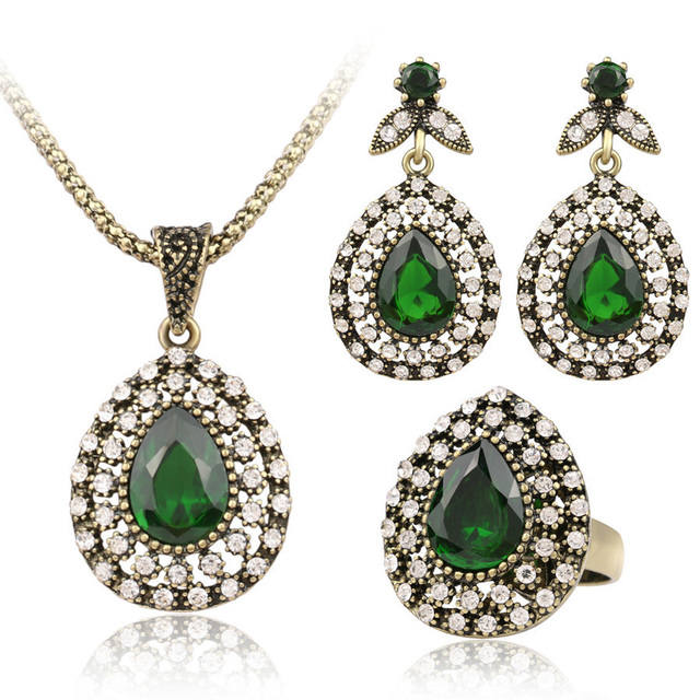 Vintage Three-Piece Jewelry Set with Austrian Crystals