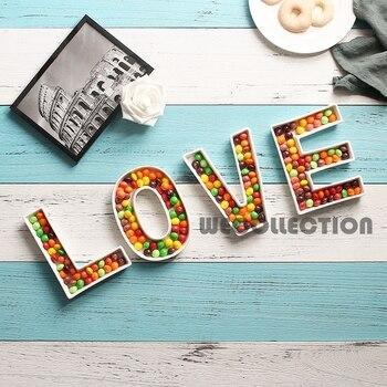 Керамическая тарелка для конфет с надписью «LOVE»