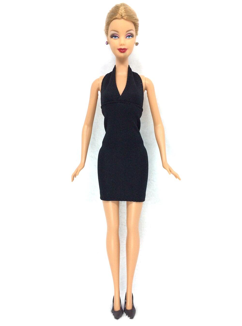 NK 12 föremål = 6 svarta klänningar + 6 svarta klackar docka mode - Dockor och tillbehör - Foto 2