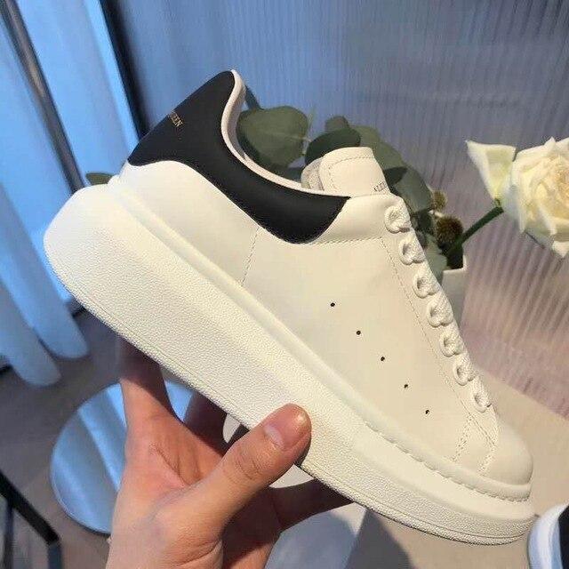 Chaussures femme 2019 marque de luxe célèbre design femmes fond plat respirant blanc chaussures sexy en cuir naturel peau de mouton grande taille