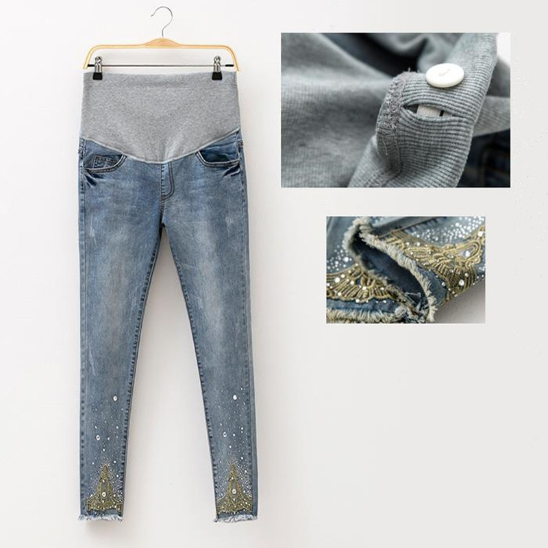 2017 Printemps Jeans De Maternité Les Femmes Enceintes Pantalon De Mode Chaude Perles De Maternité Pantalon Enceintes Pantalon De Maternité Vêtements Enceintes