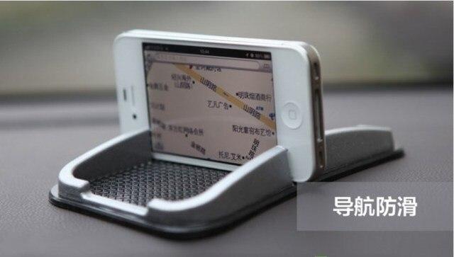 Car with slip-resistant pad mobile phone navigation mount high temperature ash