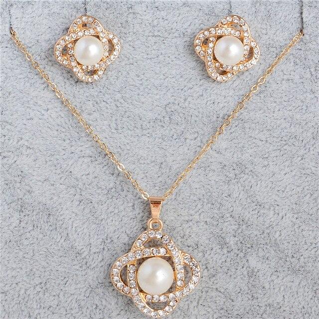 ערכות תכשיטי שרשרת עגיל אלגנטי נשים סטי 2017 תכשיטי זהב צבע שנוצרו באיכות גבוהה תכשיטי פניני חיקוי
