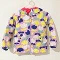 Chaquetas de invierno para las niñas impresión Flower engrosada abrigos de algodón con capucha rompevientos impermeable a niños 2-8 años
