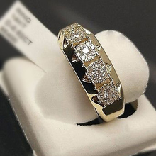 HUITAN Trendy Engagement Ring Band For Women Office Lady Stylish With Cubic Zircon Luxury Wedding Wholesale Lots&Bulk