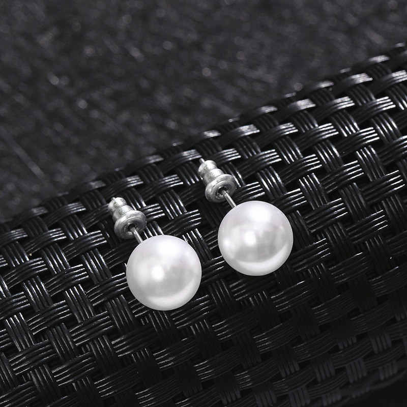 Simulated Pearl Stud Earrings Elegant Small Pearl Earrings Young Design fashion Minimalist jewelry Charms For Women Wholesale