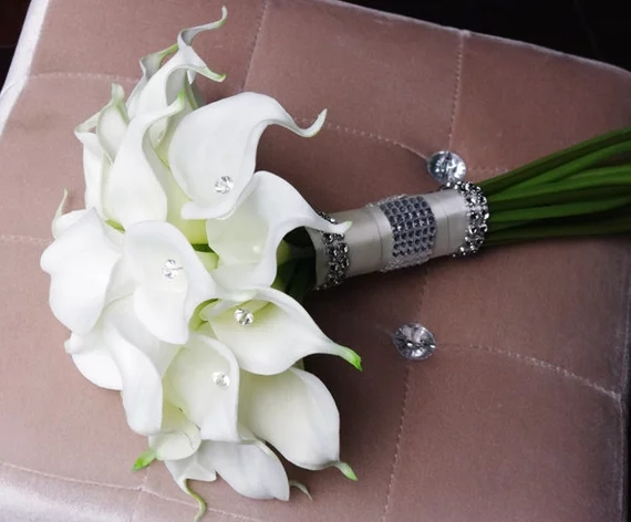 Купить с кэшбэком Silk Flower Wedding Bouquet - Calla Lilies White Natural Touch with Crystals Silk Bridal Bouquet