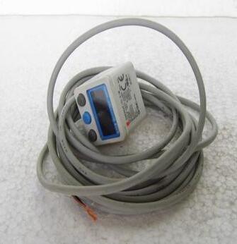 Japan genuine pressure switch ZSE40AF-01-X-M