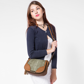 Lovevook Messenger bag with tassel