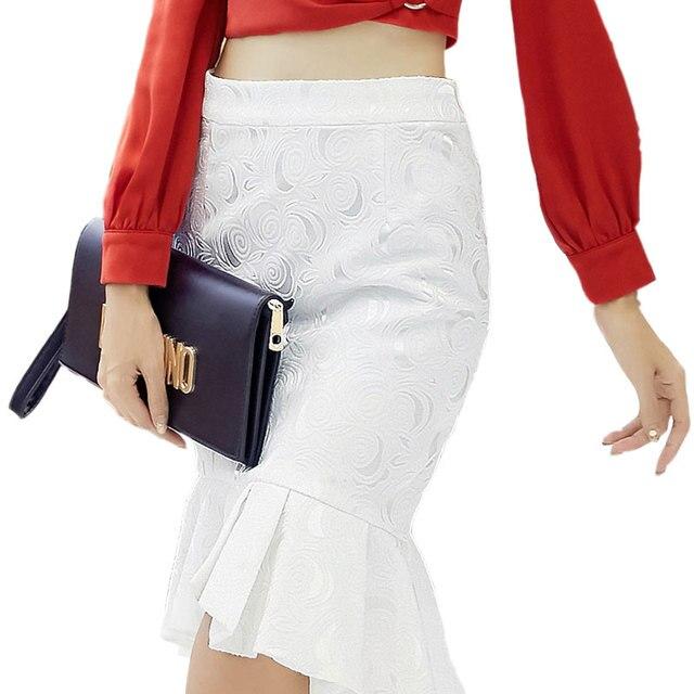 fc4b71ca78 Otoño Invierno elegante pliegue faldas de encaje de ganchillo Mujer Sexy  faldas de alta cintura blanca