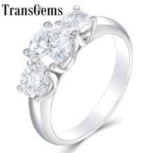 TransGems 10K beyaz altın 2.2CTW merkezi 1.2ct 7mm ve yan 0.5ct 5mm F renk Moissanite 3 taş nişan yıldönümü yüzüğü