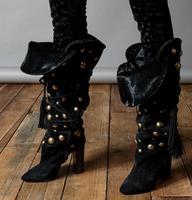 Новые зимние брендовые Для женщин потепления раза на шнуровке с заклепками острый носок не сужающийся к низу каблук с бахромой сапоги до ко