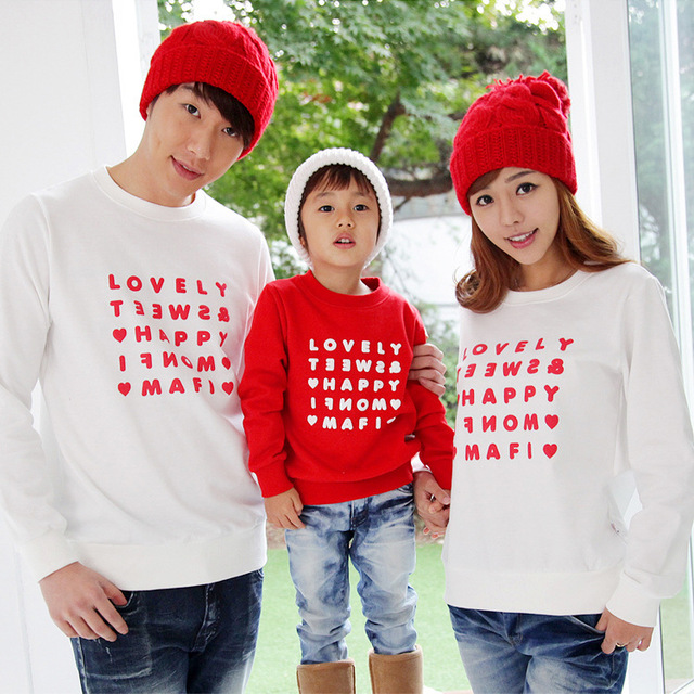2017 NEW Korean family matching outfits Dad Mom Kids tops tee children long sleeve T-shirt cotton Couples clothing