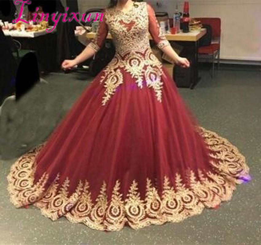 Retro Prom Dresses Modest 3/4 Sleeves Burgundy Ball Gowns Gothic Prom Dresses Gold Lace Appliques Vintage Party Dresses