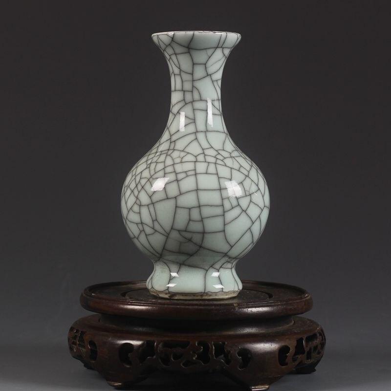 Song Dynasty Guan kiln crackle glazed vases Jingdezhen antique vases old goods handicrafts vase