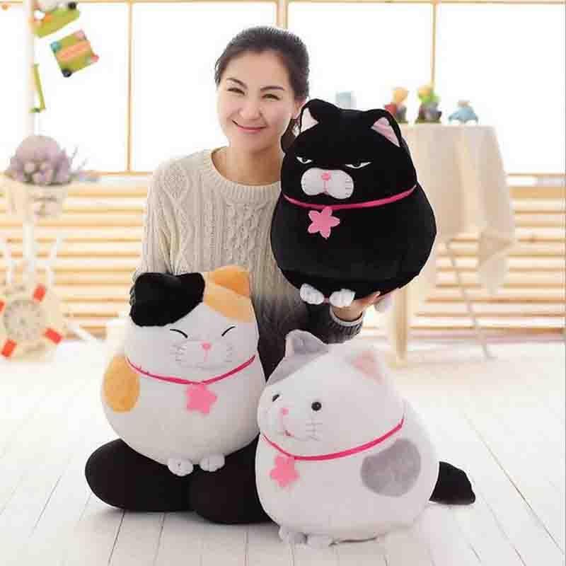 Aranyos kövér macska plüss játék 3 szín ülő macska ruhát baba baba párna aniamls töltött plüss baba gyerekek karácsonyi ajándék