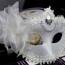 Sexy Venetian Masquerade Masks Halloween Party Princess Lace Feather Ball Pattern Women Half Face Eye Mask Hot Sale HG0148(China)