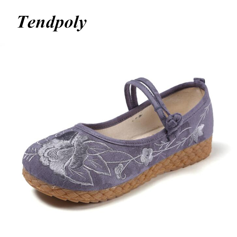 New Chinese national style retro female flat shoes spring summer exquisite fashion embroidery cloth shoes hot casual Women shoes spring and summer 2018 new chinese