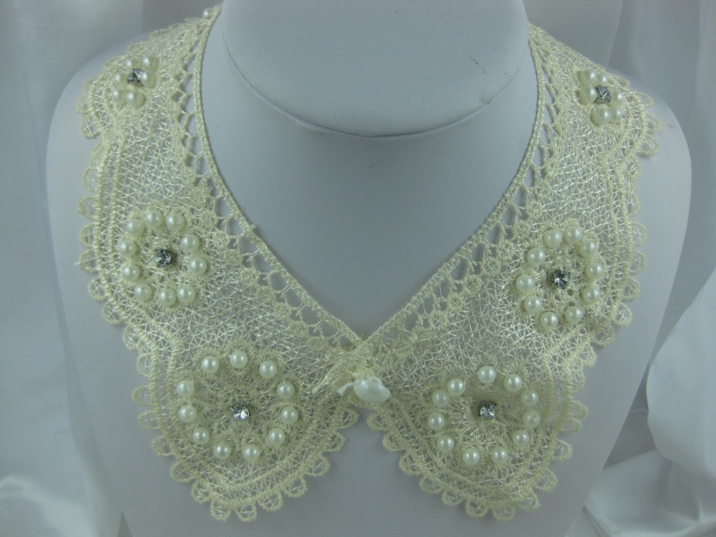 Pearl Flower Fake Collar
