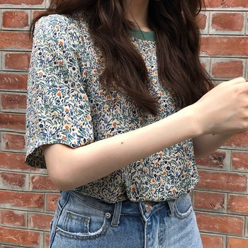 New Women Velvet T-shirt Print small white Flowers Casual shirt Short Sleeve O-neck Summer t shirt Hot tops tees