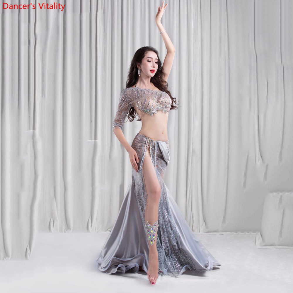 2018 Nouveau 2 pièce De Luxe robe De Danse Du Ventre Costume Femmes Stade Performance Show Usure Soutien-Gorge Jupe Fendue De Danse du ventre de danse ensemble