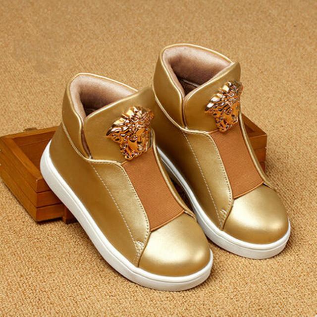 2016 nueva moda de primavera de estilo Británico Niños Niños y Niñas zapatos zapatos de oro ayuda en forma de bota zapatos zapatillas deportivas botas Run