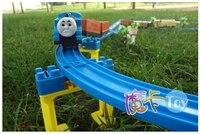 77 sztuk/zestaw Thomas muzyka elektryczne pociągu kolejowego dzieci zabawki elektryczne zabawki kostiumem kolejka samochodu Zabawki Dla Dzieci Najlepsze Prezenty w Magazynie