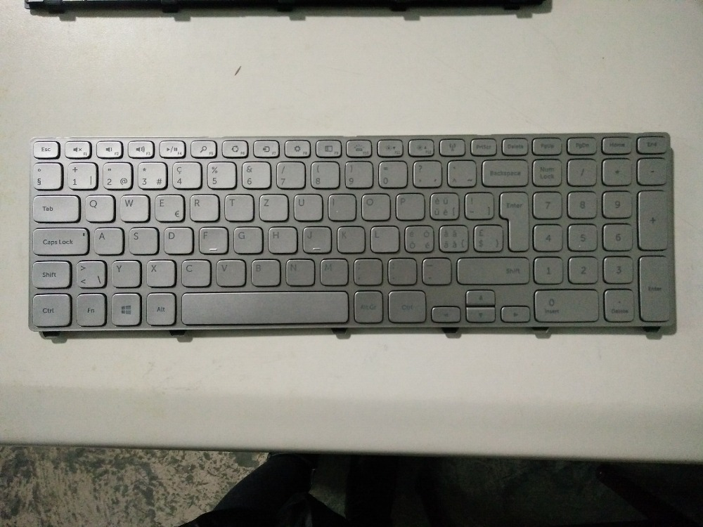 New Laptop keyboard for Dell Inspiron 15 7537 7737  SW/SWISS layout laptop keyboard for acer silver without frame swiss g sw v 121646ck2 sw aezqss00110