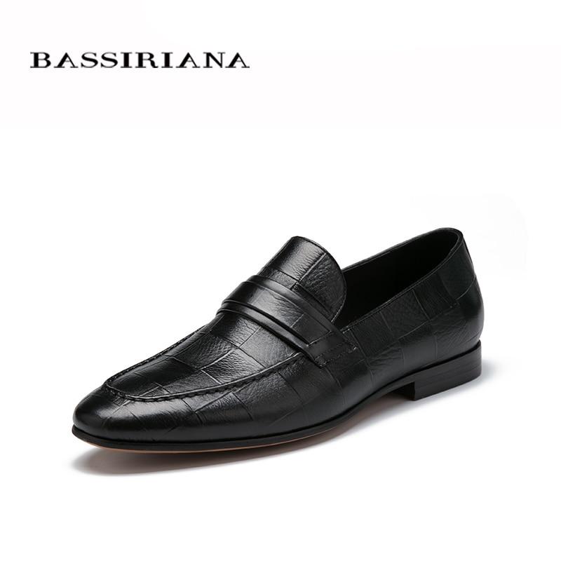 Взуття чоловіча Весна 2017 Нова модель Натуральна шкіра взуття Чорний 39-45 Чоловіче взуття Slip-on Безкоштовна доставка BASSIRIANA