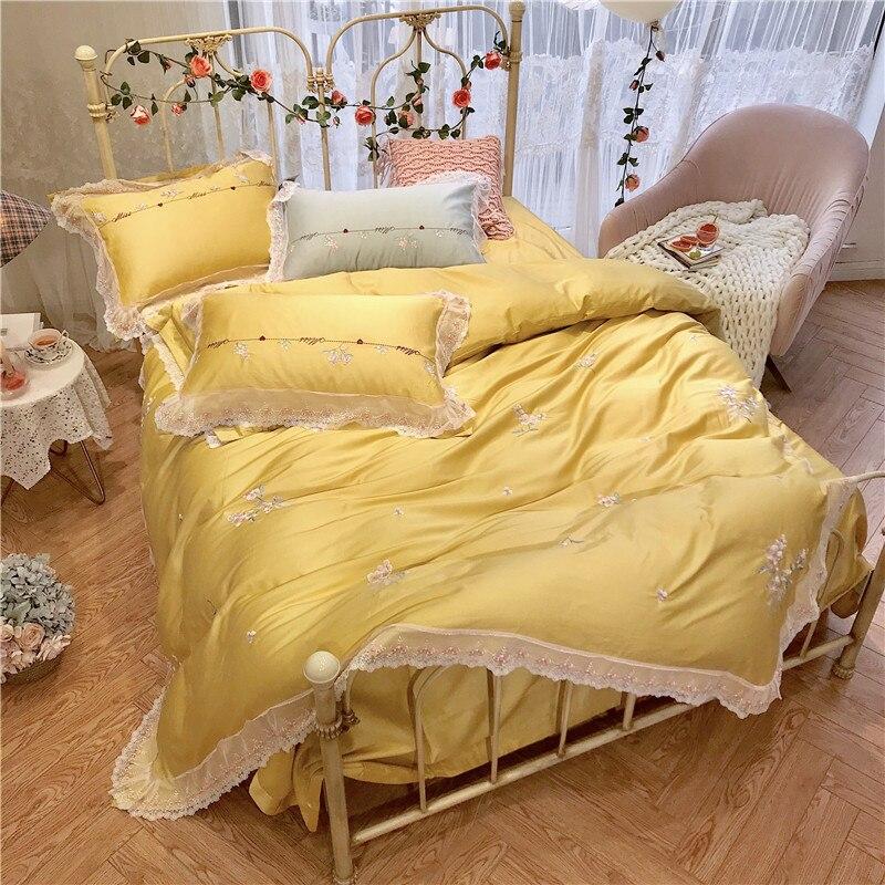 100% egipskiej bawełny żółty czerwony 4 kawałki koronki krawędzi kołdra pokrywa z Zipper King size łoże małżeńskie pościel arkusz zestaw poduszki shams w Zestawy pościeli od Dom i ogród na  Grupa 2