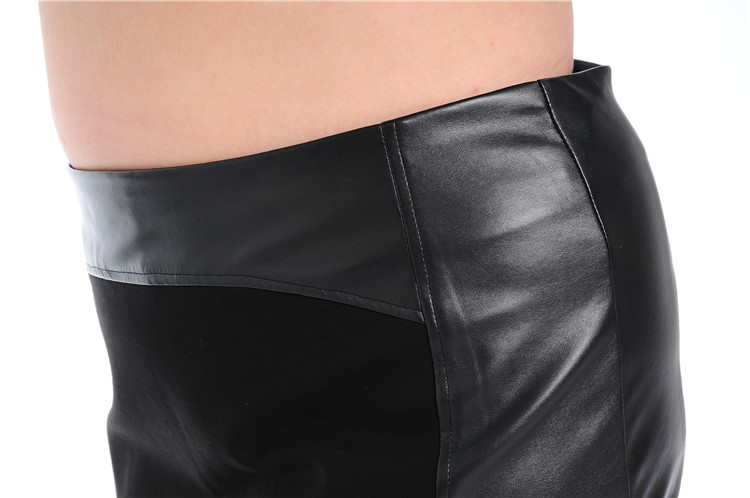 Fat women in leather shorts