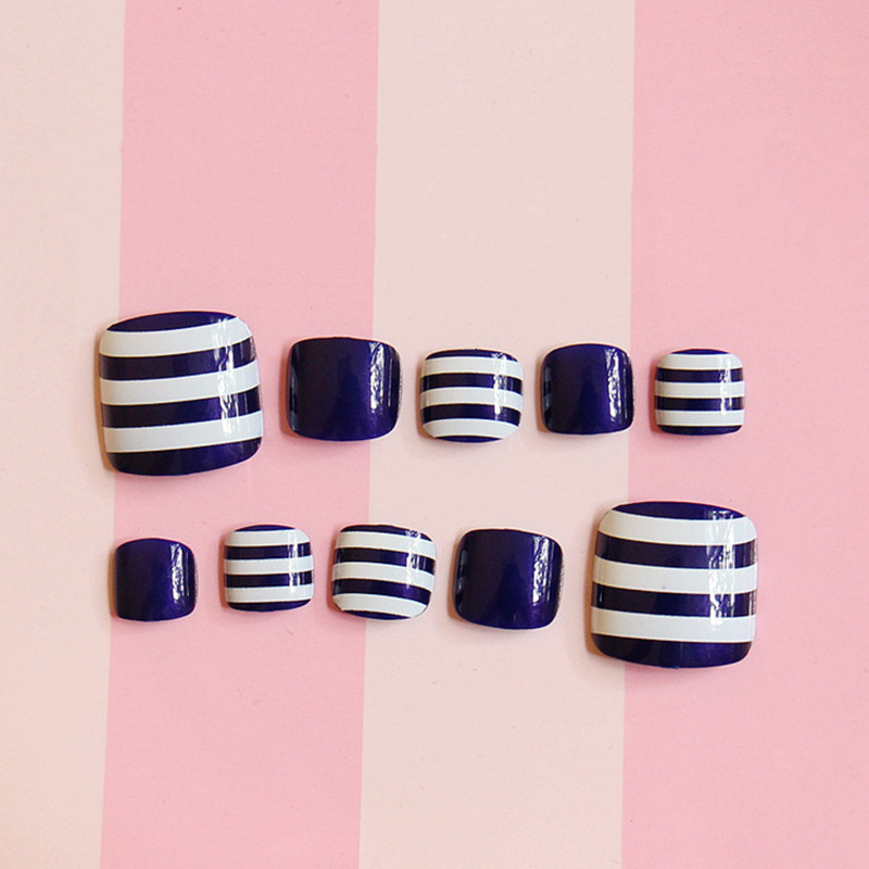 24pcs Short Acrylic False Toe Nails With Designs Blue White Stripes Full Cover Toe Nail Tips Japanese Square Fake Toe Nails