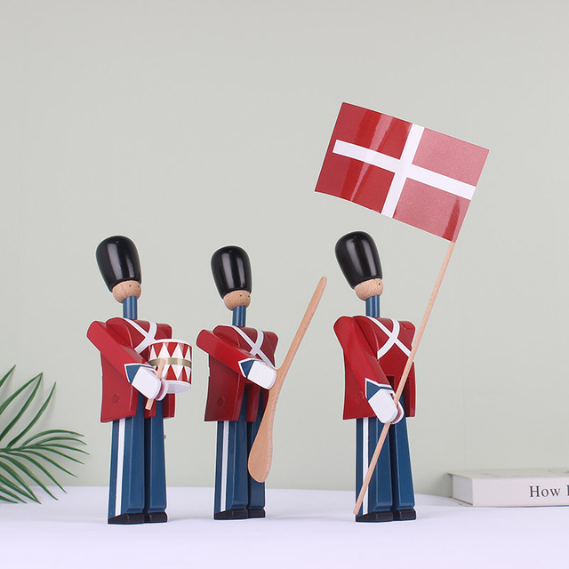 Nordic Danish Soldier Wooden Decoration Creative Home Childrens Model House Decoration Puppet Decoration Handmade Solid Wood