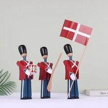 İskandinav danimarka asker ahşap dekorasyon yaratıcı ev çocuk modeli seramik karo kukla dekorasyon el yapımı katı ahşap