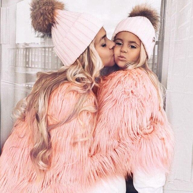 Одежда для мамы и дочки, одинаковая семейная одежда из искусственного меха, теплая одежда для мамы и ребенка, Осень зима 2018, плотное пальто, куртка