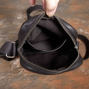 Image 5 - AETOO Simple mini mobile phone key bag small crossbody shoulder bag mens casual first layer leather bag