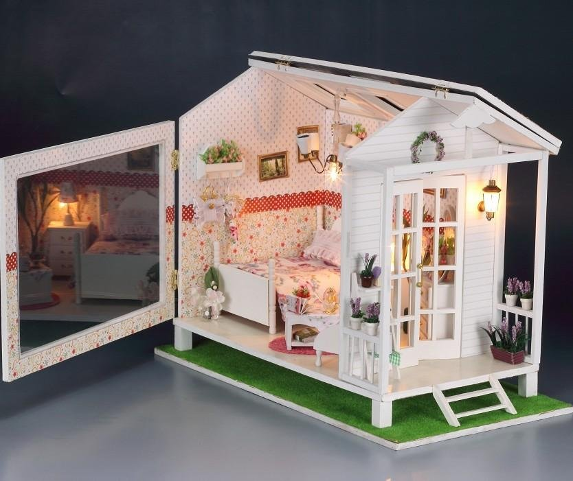 DIY LED LIGHT Wooden Dollhouse Miniatures Beach House