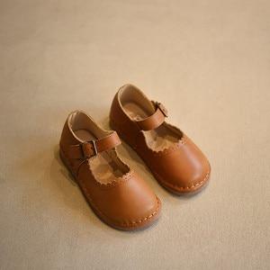 Image 1 - 2017 wiosna jesień dziewczyny Vintage skórzane buty wypoczynek dziecko Toddle buty miękkie dzieci skórzane buty dla dzieci pojedyncze buty