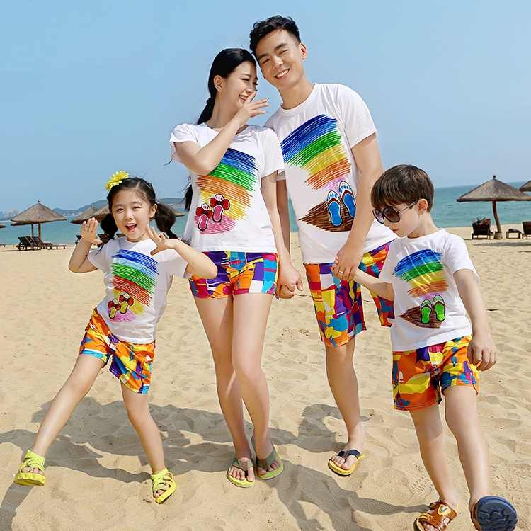 13b18b1894 Beach Family Look Mother Daughter Father Son Matching Outfits Mommy Daddy  and Me Clothes Mom Mum