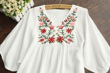 Vintage 70s Women Mexican Ethnic Embroidered Blouse