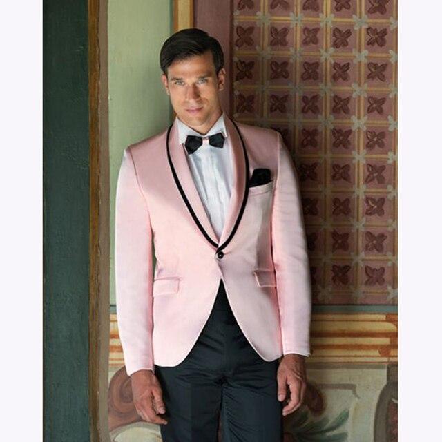 f890815fa17ae 2017 Nuevo de alta calidad de color rosa para hombre Trajes novio hombres  traje Esmoquin padrinos