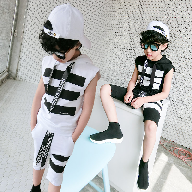 ФОТО The big boys and 2017 Korean version of the new of children summer leisure Korean hooded sleeveless vest suit 8026