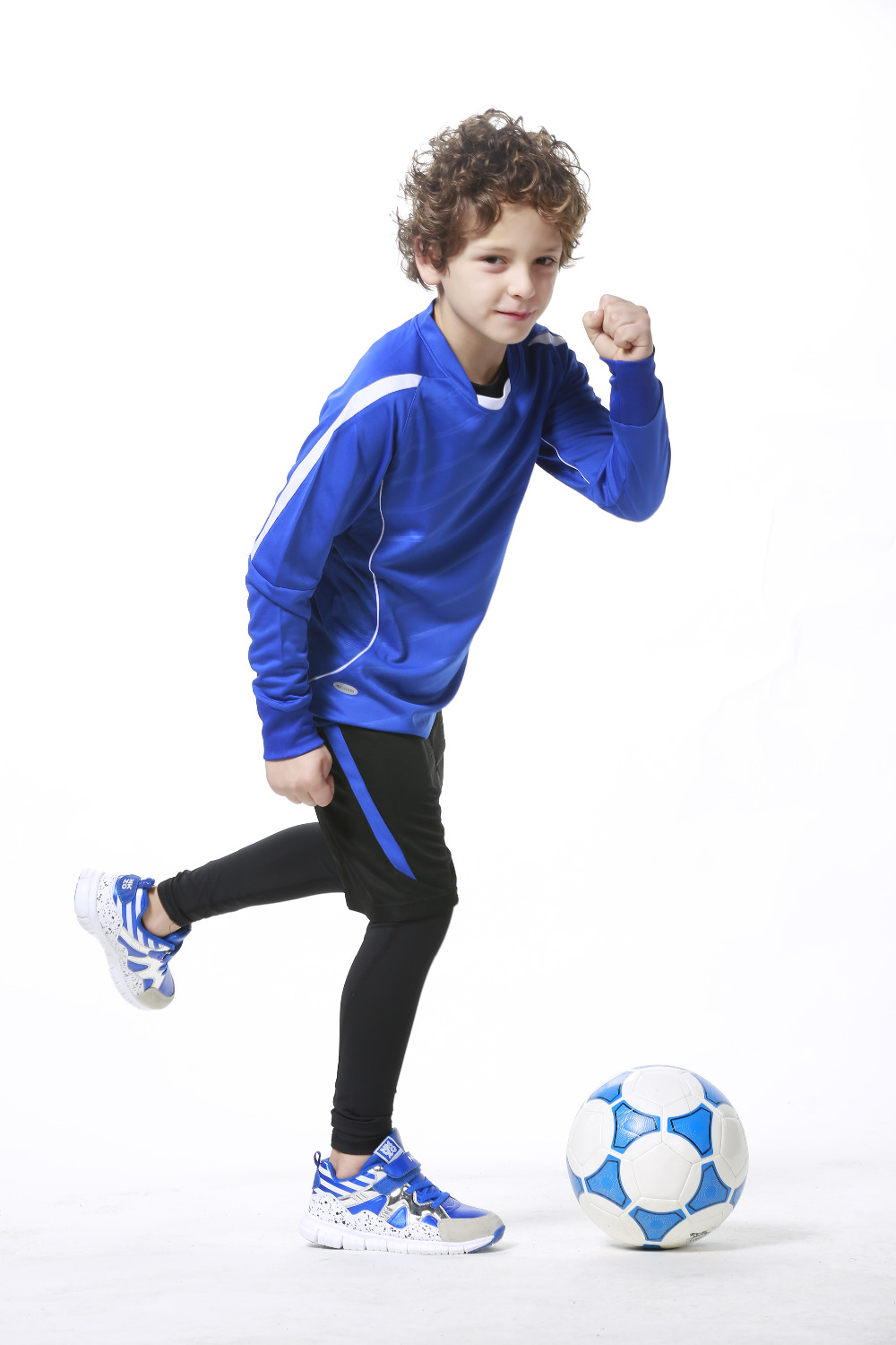 SoccerPro is ready for your soccer season. For the soccer fan or soccer player we have the gear you need! Find the best soccer cleats, soccer balls and soccer equipment from the biggest brands like Nike, adidas, Puma and Kwikgoal.