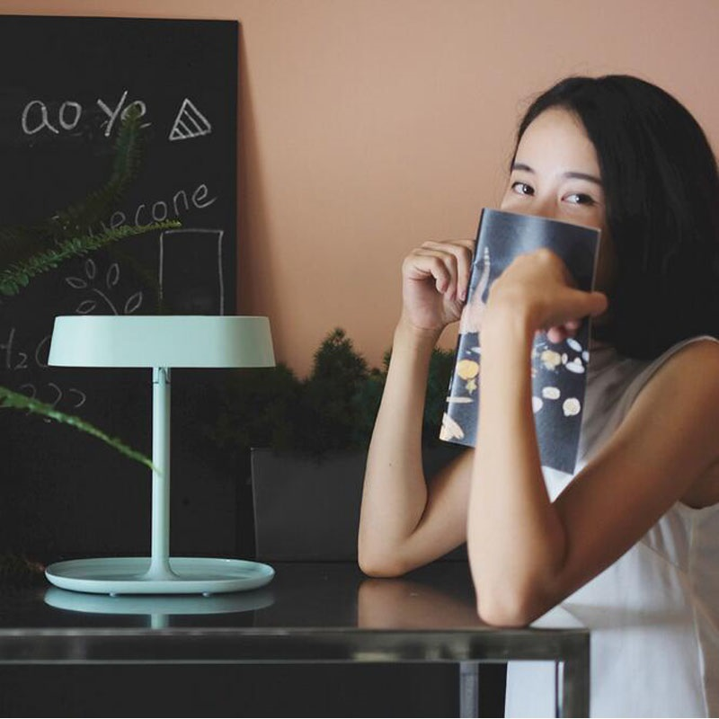 10 pcs/lot Stand De Maquillage Miroir Rechargeable LED Lumière De Bureau Table Lit Lampe Décor Meilleurs Cadeaux Pour Femme Livraison Gratuite