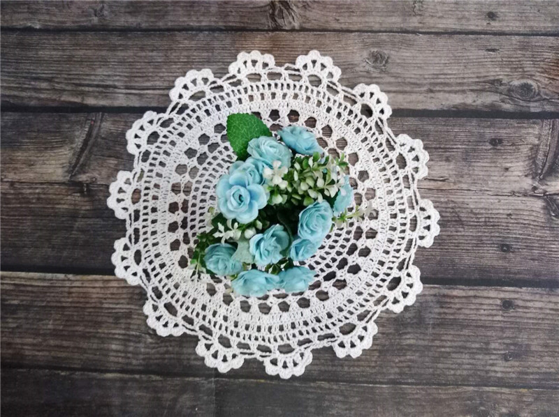30CM Round Vintage Lace Coaster Placemat Floral Crochet Flower Dish Mat Coffee Cup Dining Table Pad For Kitchen Christmas 2019 in Mats Pads from Home Garden