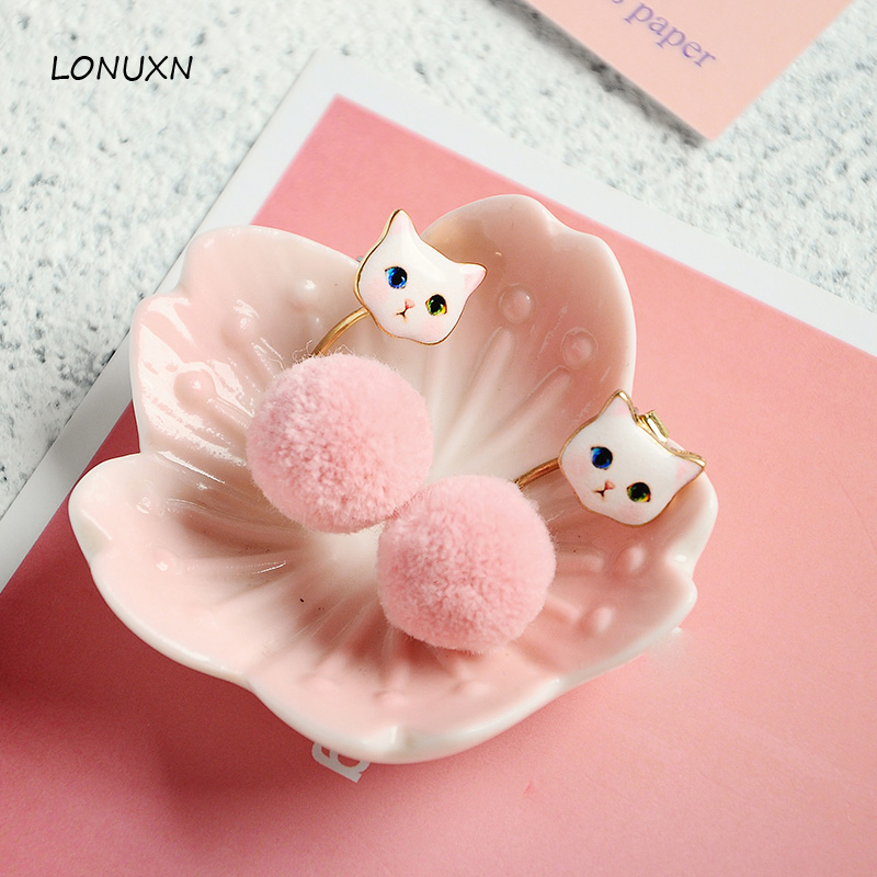 3 color High quality Korean style cute sweet fashion cat shape cartoon fur earrings female jewelry simple temperament girls gift