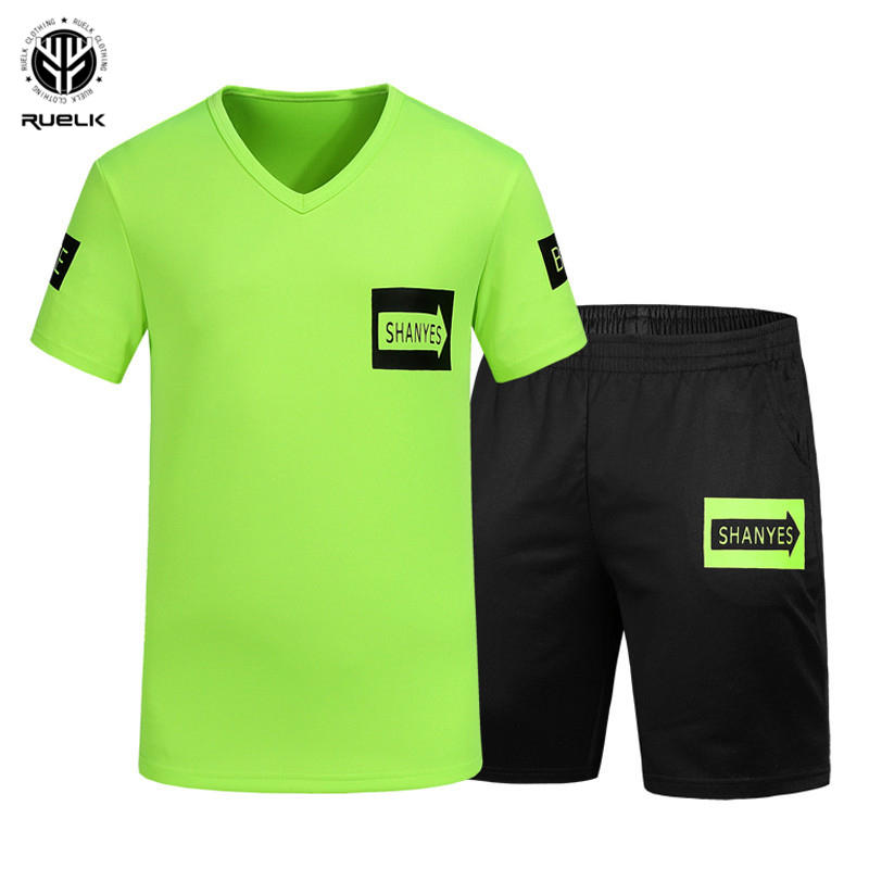 RUELK 2018 Fashion New Arrival Hot Mens Sportswear Casual T-Shirt+Shorts 2 Piece Sets Polyester O-Neck Mens Sproting Tracksuit